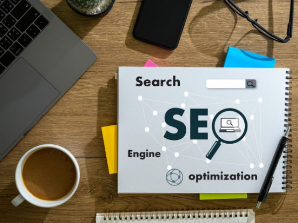 computer-laptop-searching-engine-optimizing-seo-technology-concept_36325-2202
